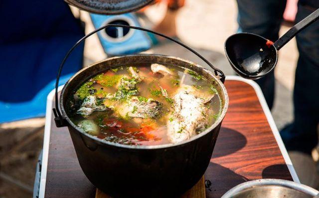 Ставропольцев на «Новогоднем базаре» бесплатно накормят ухой от шеф-повара