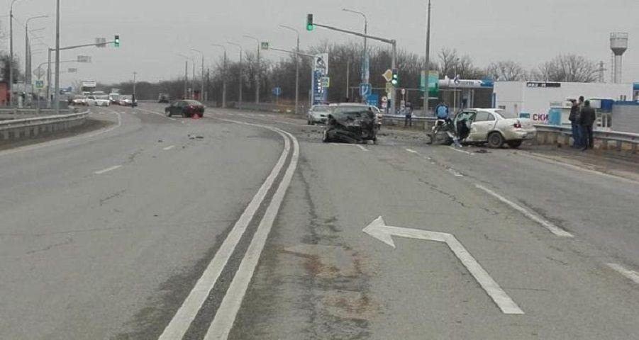 НаСтаврополье столкнулись 4 автомобиля