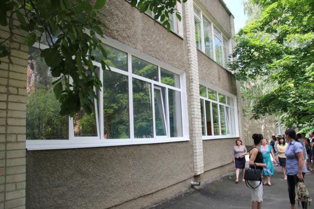 Детский сад и школа в Невинномысске обзавелись новыми окнами