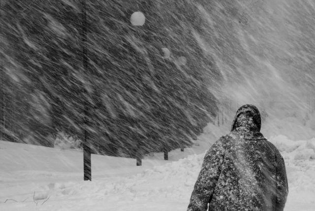 Обильный снегопад осложнил движение на территории Ставрополя и края