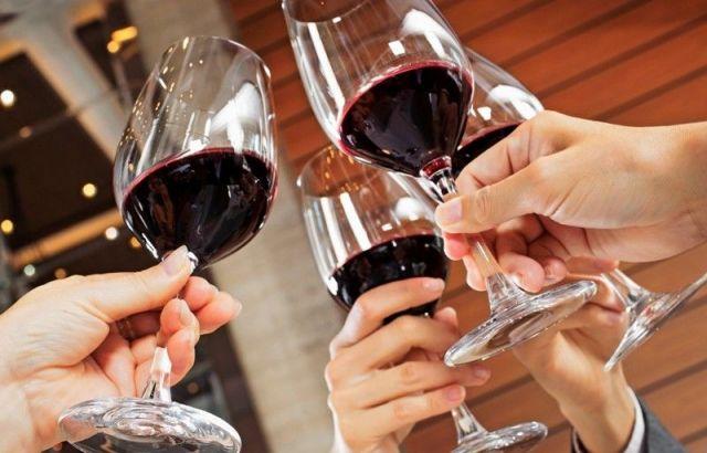 Употребление алкоголя повышает риск развития рака, заявляют учёные