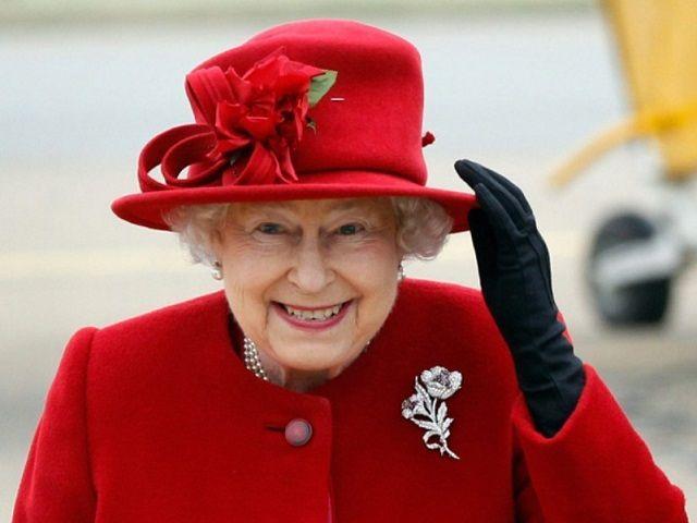 Ставрополец украл статуэтку английской королевы и украсил ей свой подъезд