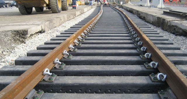 В Пятигорске пассажирский поезд насмерть сбил местного жителя