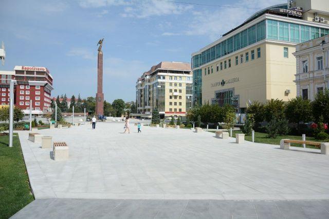 Парковка на Александровской площади Ставрополя заработала в тестовом режиме