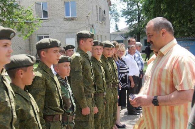 Полпред Сергей Меликов высоко оценил результаты работы Горнозаводской спецшколы