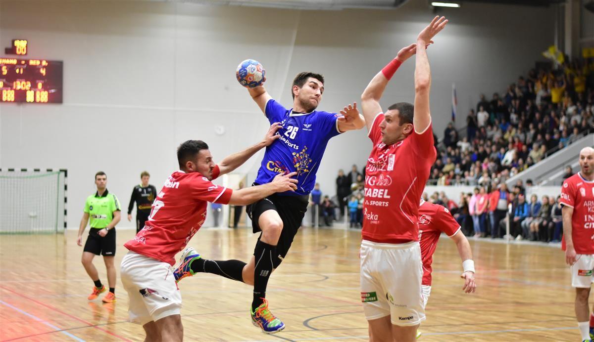 Ставропольские гандболисты одержали победу в матче с волгоградской командой