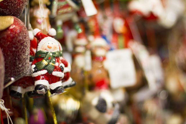 Ёлки, игрушки, мясные деликатесы и натуральные продукты ждут ставропольцев на «Новогоднем базаре»