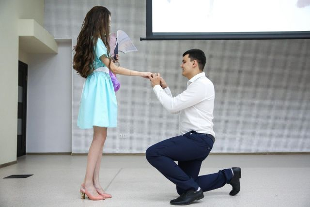 В Ставрополе на вручении дипломов выпускнице СКФУ сделали предложение руки и сердца