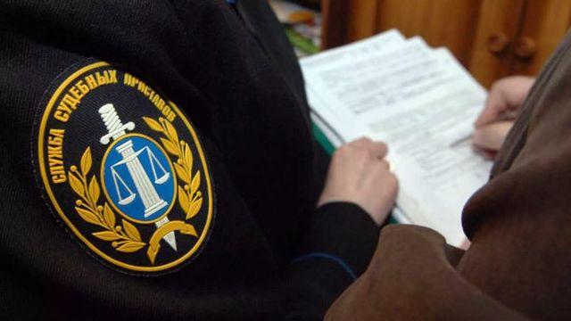 Жительница Ставрополья подозревается в публичном оскорблении судебного пристава-исполнителя