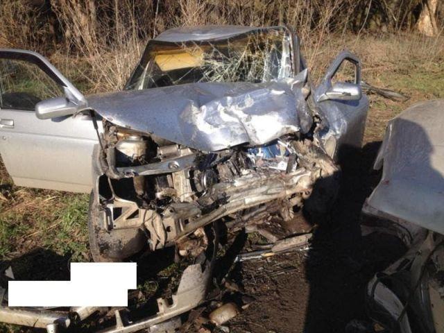 В Кочубеевском районе из-за ямы на дороге в ДТП пострадали двое