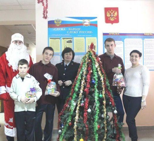 На Ставрополье продолжается акция «Полицейский Дед Мороз»