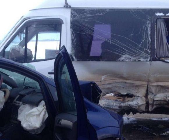 Столкновение пассажирской «Газели» и иномарки унесло жизни двух человек
