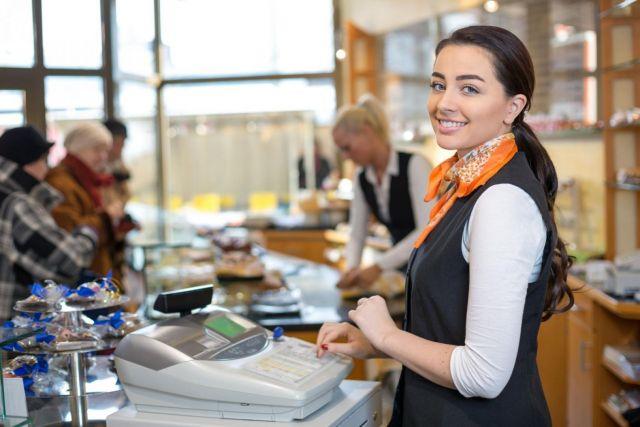 Средняя зарплата продавца в Ставрополе этой осенью составила 22 тысячи рублей