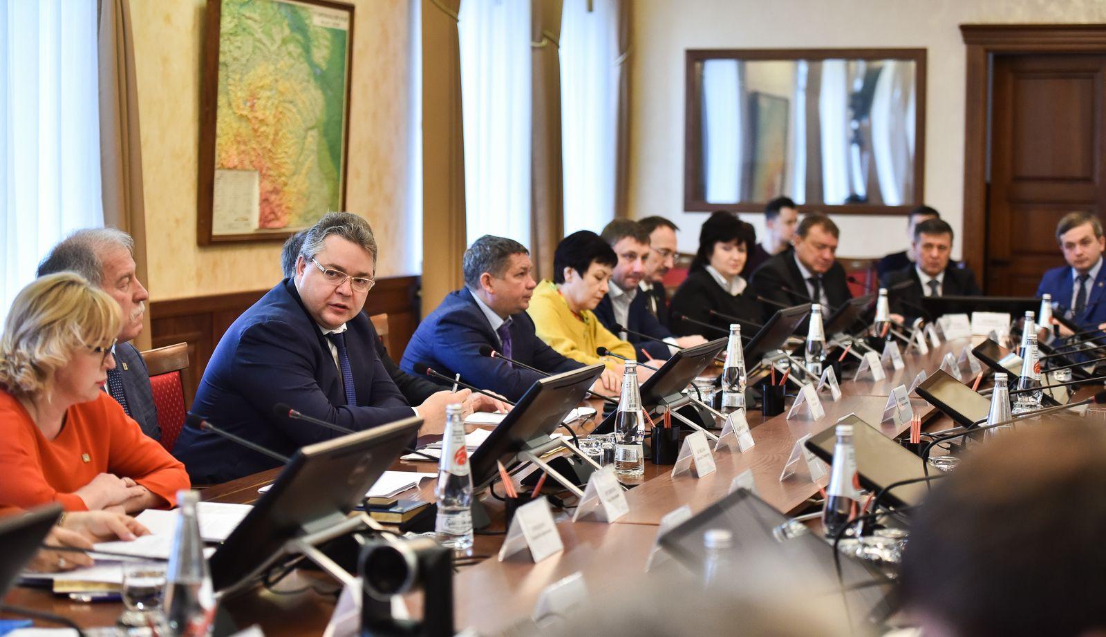 Глава Ставропольского края встретился с лауреатами проекта «Новая энергия»