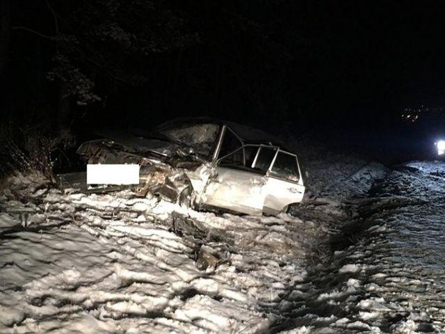 На трассе возле Кисловодска внедорожник врезался в легковушку