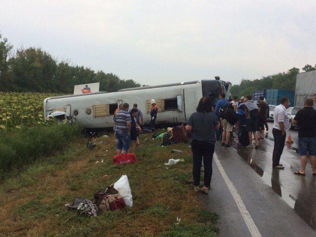 В Ростовской области перевернулся автобус, следовавший по рейсу «Ставрополь — Москва»