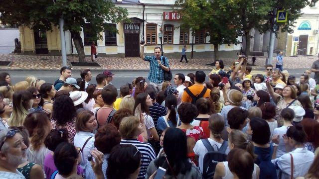 Около 200 ставропольцев поучаствовали в бесплатной экскурсии по городу