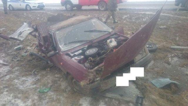 В Ставропольском крае внедорожник столкнулся с легковым автомобилем, погиб водитель