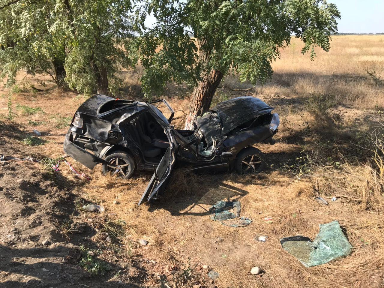 В Ставропольском крае во время гонок погиб 22-летний водитель легковушки
