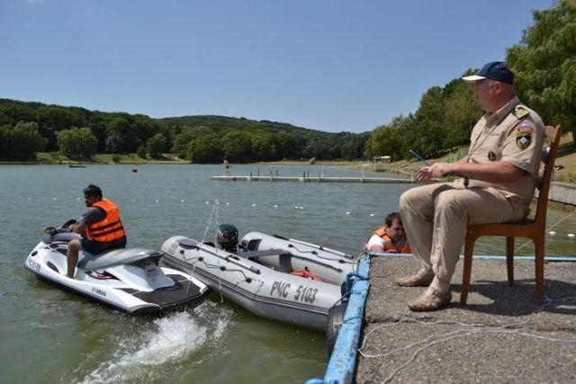 На Ставрополье проходят тренировки МЧС по водно-моторному спорту