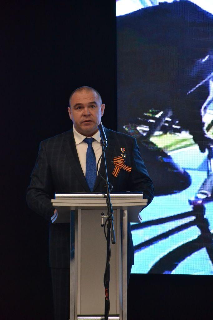 Глава Невинномысска рассказал о вкладе Фонда Андрея Мельниченко в развитие образования
