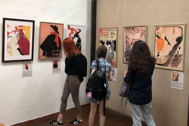 Галерея «Паршин» приглашает ставропольцев на выставку «Золотой поцелуй»