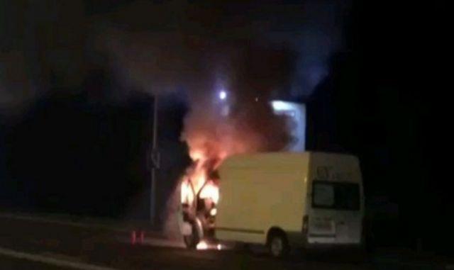 Очевидцы сообщают о взрыве микроавтобуса в Пятигорске