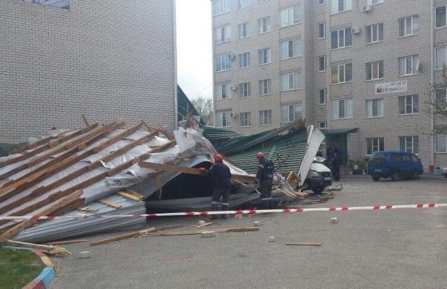 В Ставрополе полным ходом идут работы по ликвидации последствий урагана