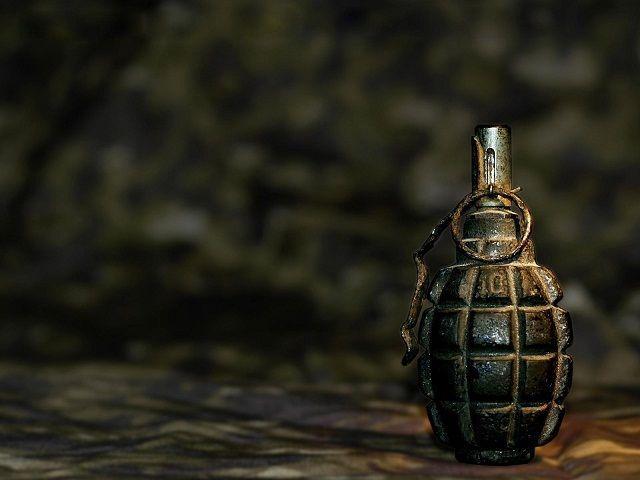 Ставропольчанка нашла схрон боеприпасов во время уборки могилы