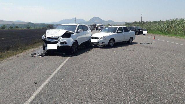 На Ставрополье из-за задымления в результате возгорания стерни в ДТП попали 10 автомобилей