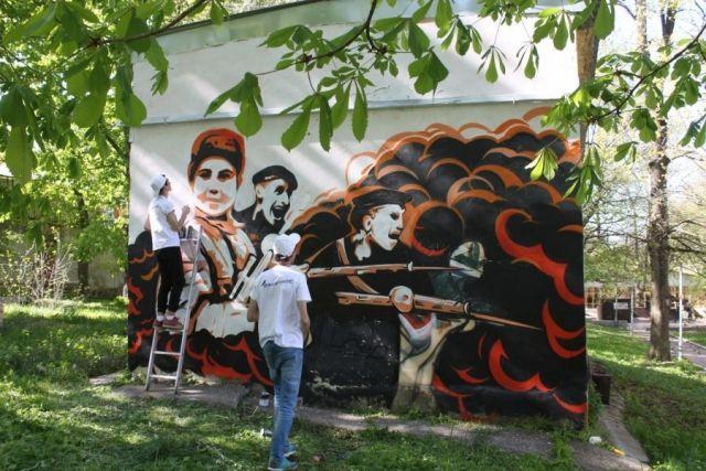 Новое патриотическое граффити с «чёрными бушлатами» появилось в Ставрополе