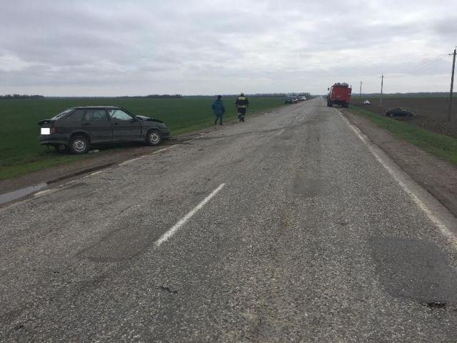 На Ставрополье в тройном ДТП пострадали два человека