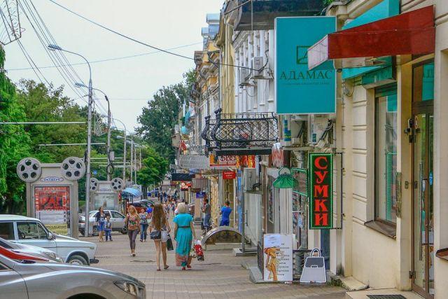 Незаконная фасадная реклама в Ставрополе будет демонтироваться за счёт собственников