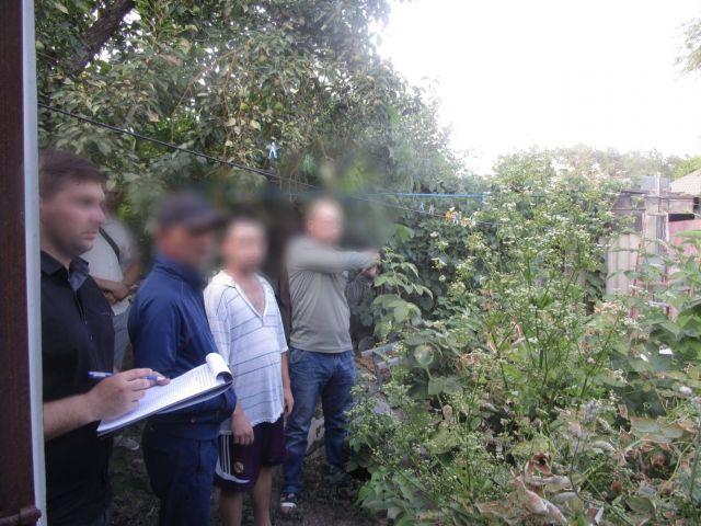 Ставрополец убил молотком сожителя матери и закопал тело во дворе дома
