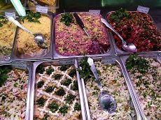 Число отравившихся магазинными салатами ставропольцев достигло 166 человек