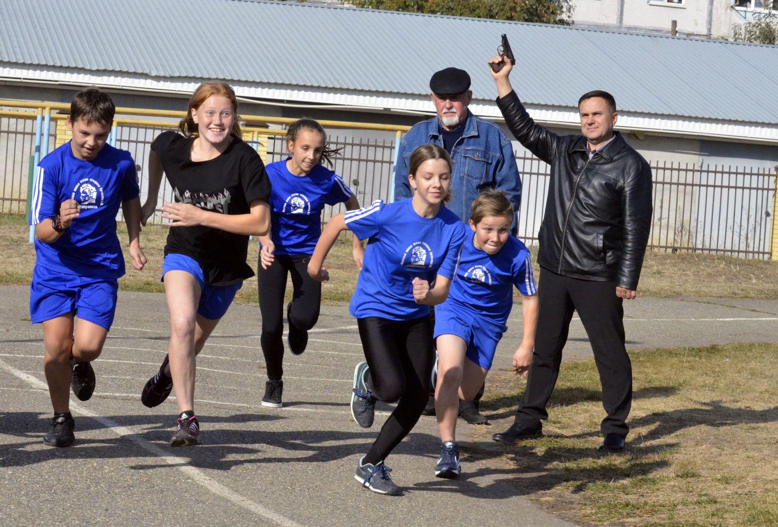 Легкоатлетическая эстафета прошла в кадетской школе Ставрополя