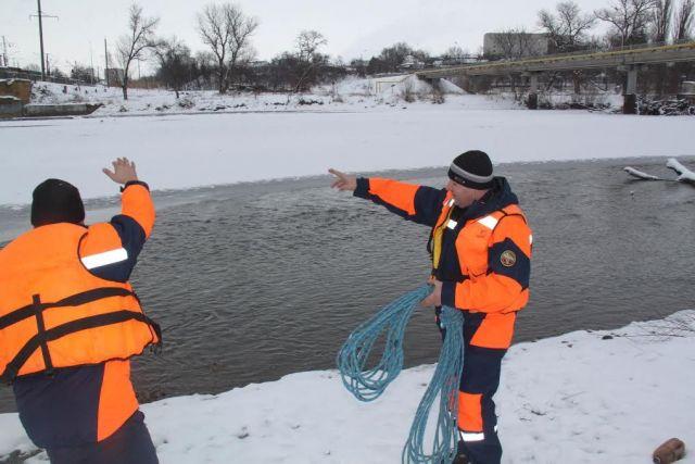 В Ставропольском крае спасли упавшего с моста инвалида-колясочника