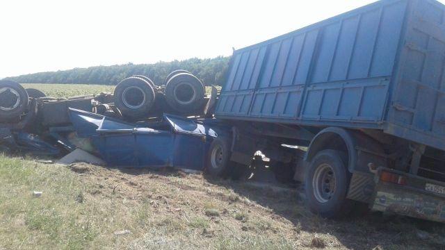 На ставропольской дороге водитель КАМАЗа погиб в ДТП