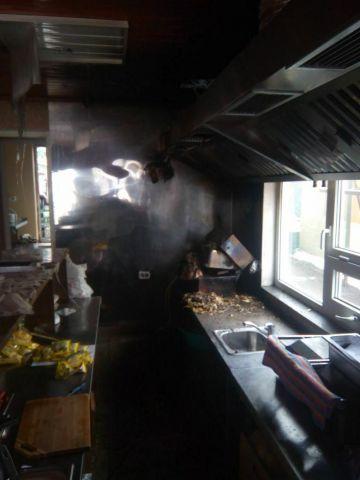 В Пятигорске загорелась закусочная