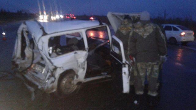 На ставропольской дороге произошло столкновение трёх автомобилей