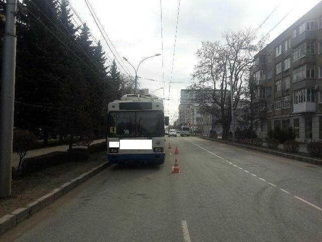 В Ставрополе женщина сломала плечо в троллейбусе
