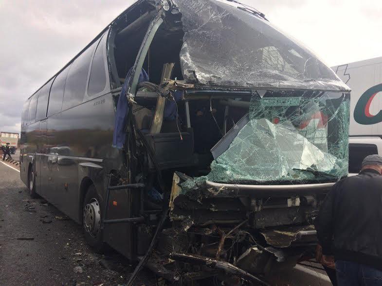 НаСтаврополье два пассажирских автобуса слюдьми столкнулись с Тоёта