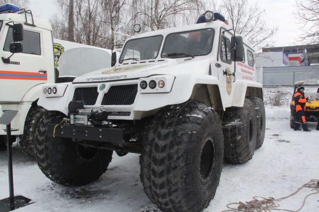 Ставропольские спасатели вытащили из снежного плена семью с младенцами