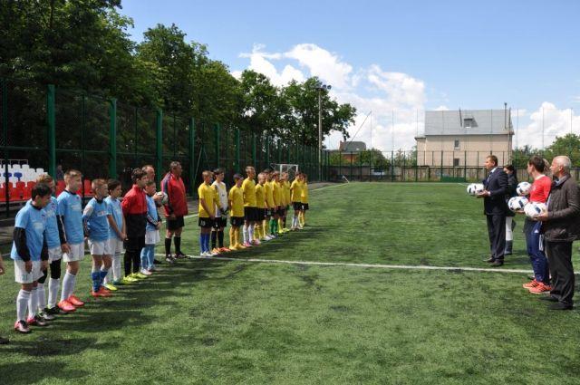 Воспитанники ДЮСШ «Кожаный мяч» одержали победу в финале городского первенства