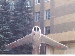 В Ставрополе демонтируют самолеты-памятники