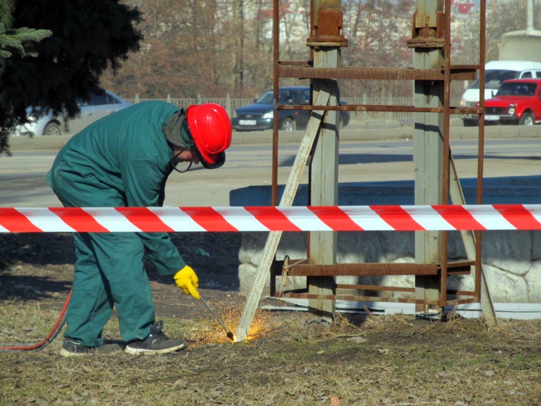 ВКисловодске засутки демонтировали неменее сотни рекламных конструкций