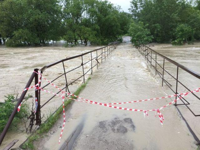 По состоянию на 12:00 в Ставропольском крае остаются подтопленными 377 жилых дома и 1273 придомовые территории