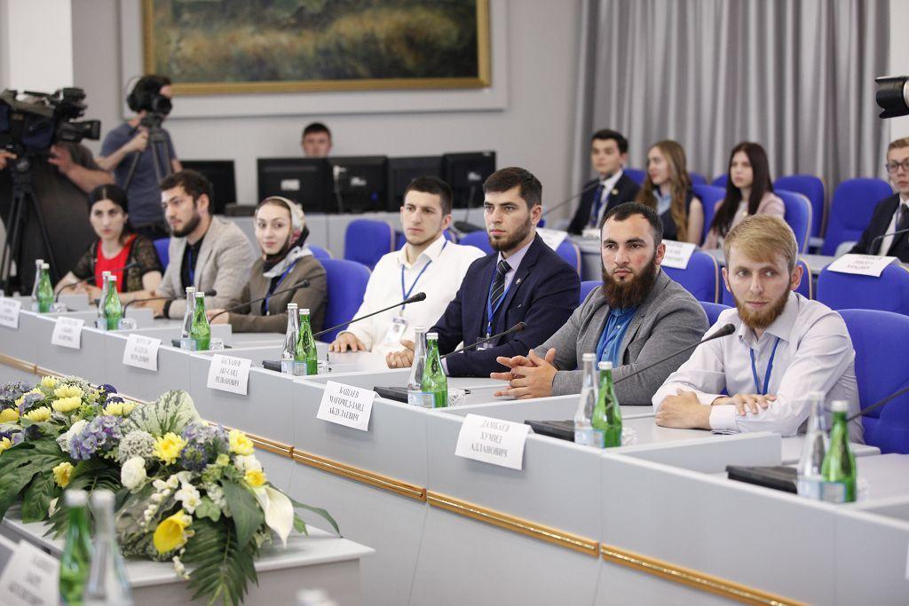 В Ставрополе заработал проект «Академия молодых парламентариев СКФО»