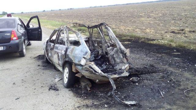 На дороге в Ставропольском крае взорвался автомобиль
