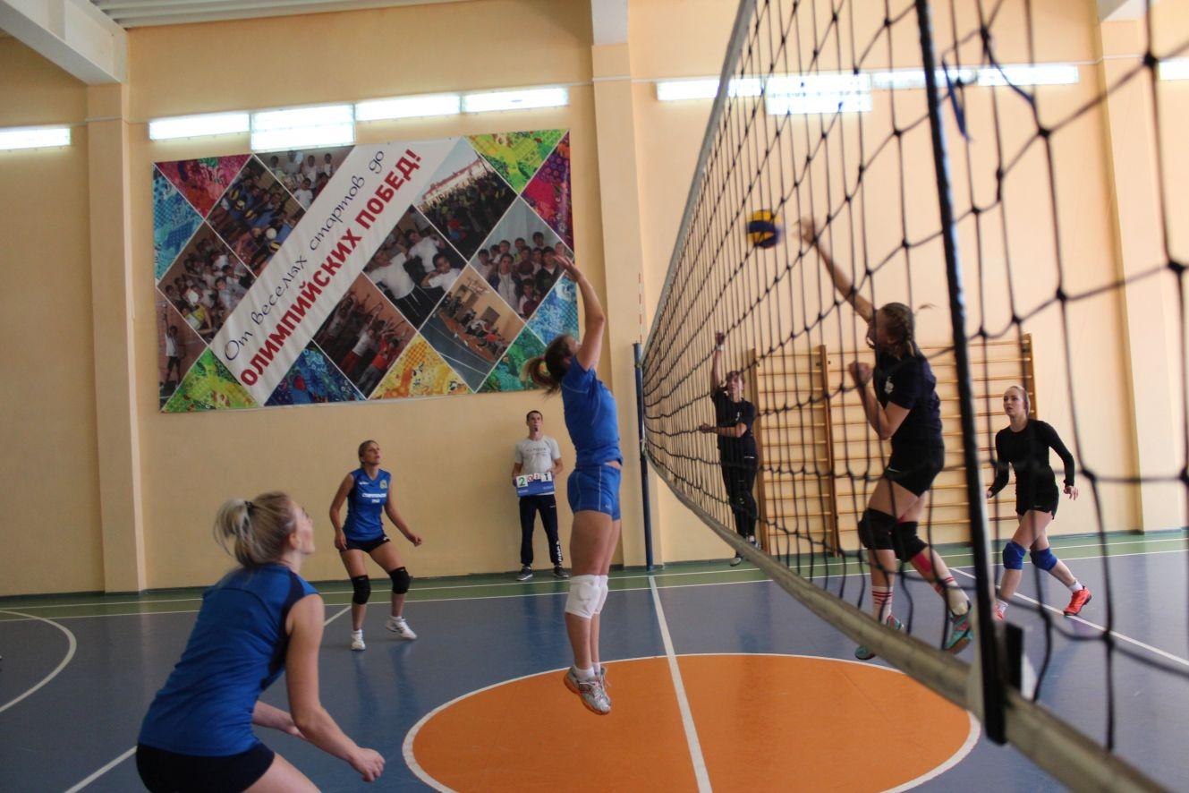 Ставропольские девушки-волейболистки определили лучших в открытом турнире Любительской лиги